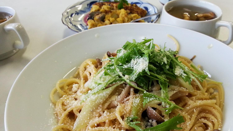 キノコのパスタ飯南高校講演&料理教室
