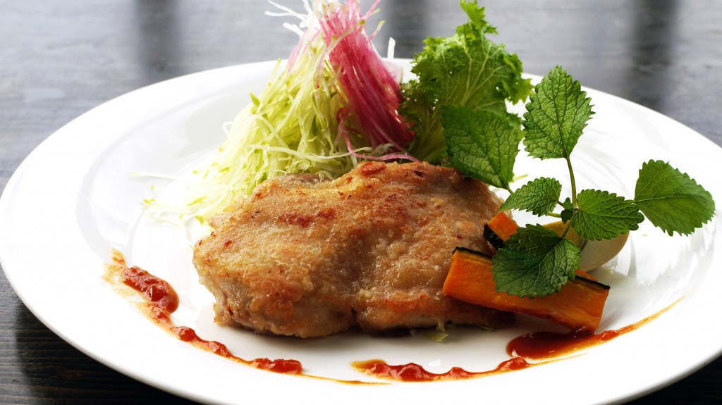 鳥モモ肉の香草ガーリックステー