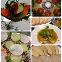 サーモンのグリル・リースサラダ2種・シーフードカレースープ・パン
